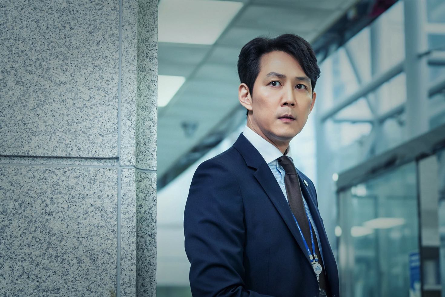 "Review: Political K-Drama ""Chief of Staff"" Tries Emulating ""The ..."